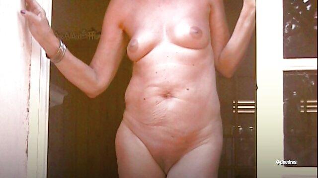 Heißes Mädchen bekommt einen Schwanz in Ihren oma sexchat Arsch