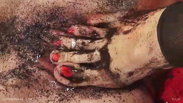 Rothaarige hottie porno tube oma Finger selbst