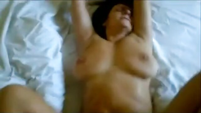 hat ein sexy solo in Dessous geiler omasex