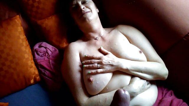 Fingert Ihre nackte alte omas Rasierte Muschi
